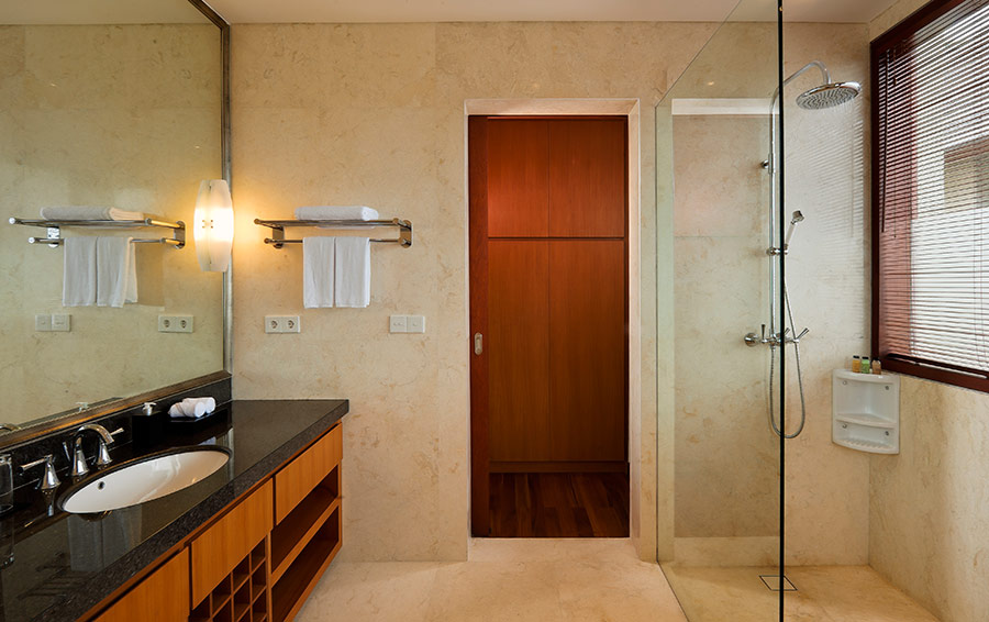 Villa-Joss-Bathroom-on-the-upper-level