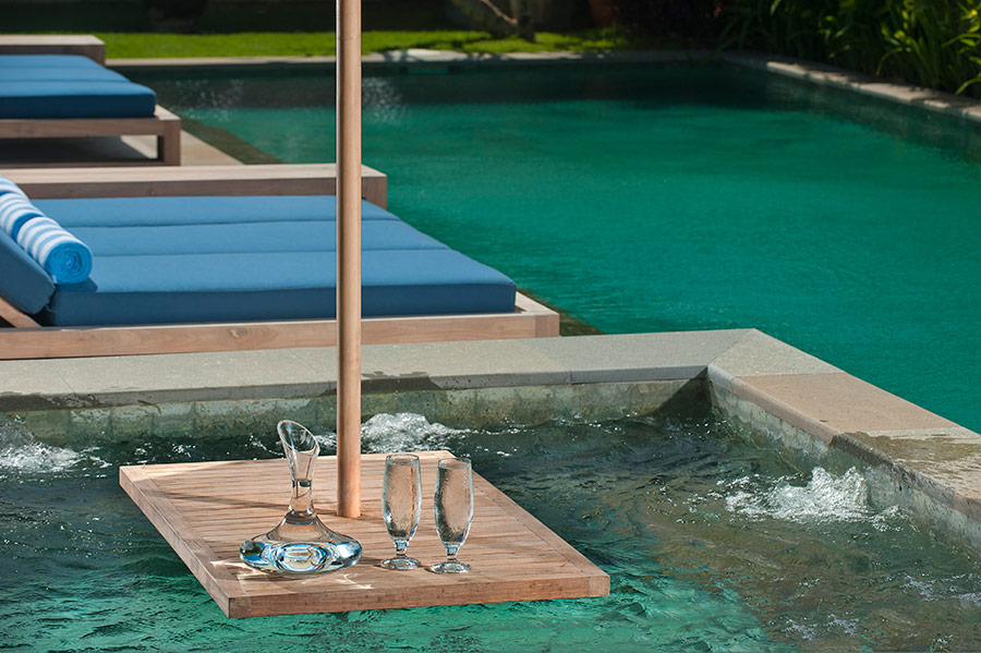Villa-Joss-Jacuzzi-table