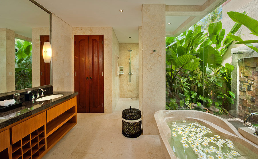 Villa-Joss-Lower-level-bathroom