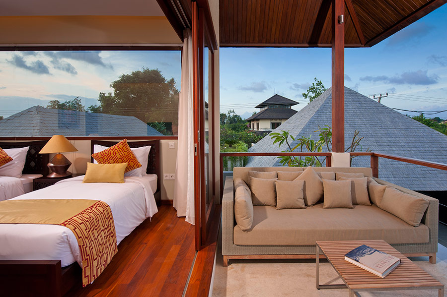 Villa-Joss-Upper-level-twin-bedroom-and-balcony